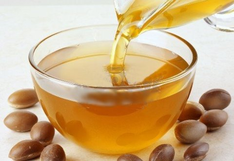 Argan Oil: A Celebrity's Secret Weapon For Glowing Skin and Hair