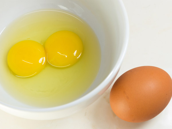 Is It Safe to Eat Raw Eggs? | Med-Health.net